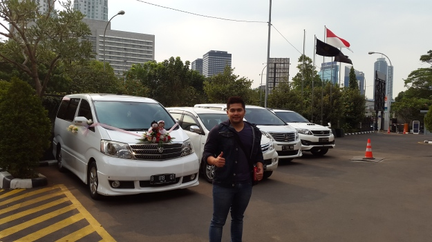 sewa_alphard_paling_murah_jakarta_wedding_car_decor_unik