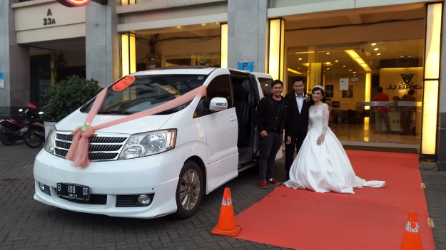 sewa_mobil_wedding_alphard_vellfire_paling_murah_plus_decor_unik_banyak_discount