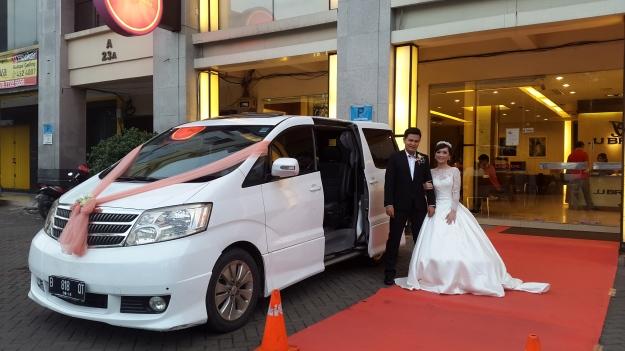 sewa_alphard_paling_murah_jakarta_vellfire_mobil_wedding