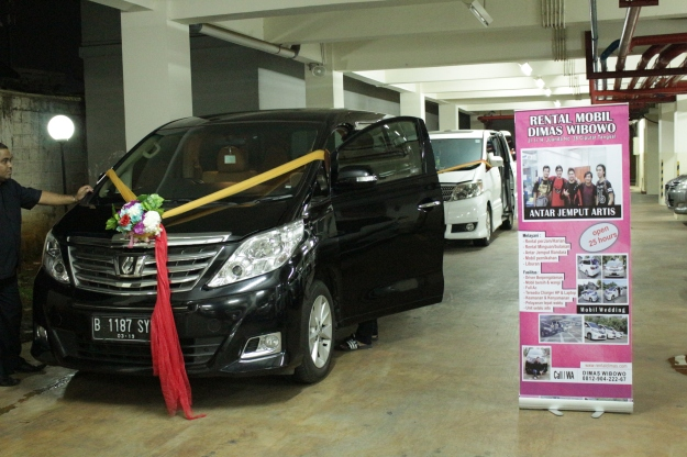 contoh_decorasi_wedding_car_harg_murah