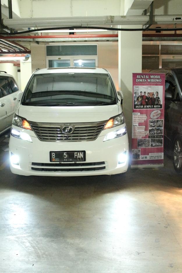 rental_alphard_termurah_banyak_discount_jakarta_tangerang_terpercaya_wedding_car