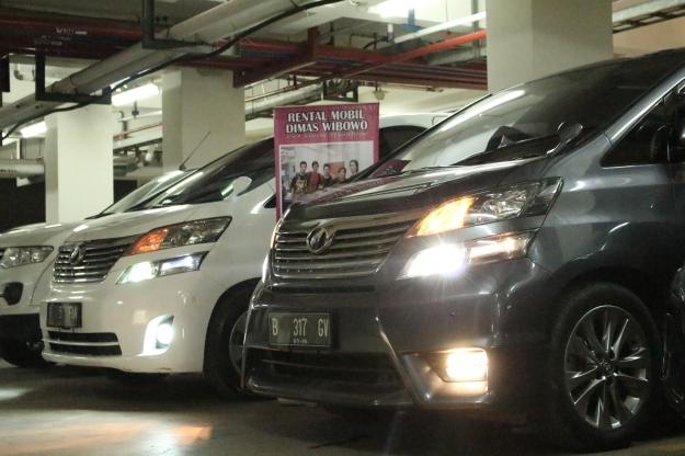 rental_alphard_paling_murah_jakarta_wedding_car_decorasi_unik