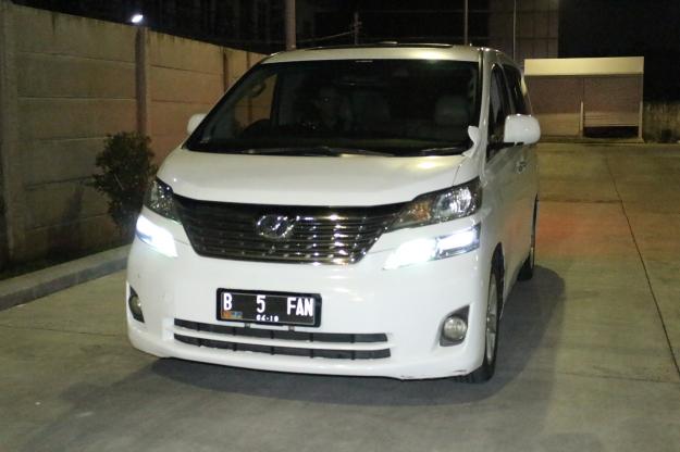 harga_rental_alphard_vellfire_paling_murah_jakarta_wedding_car_decor_unik_discount