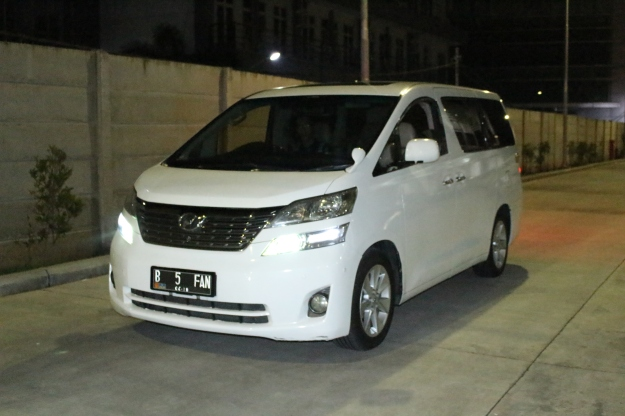 rental_alphard_paling_murah_jakarta_wedding_car_decor_unik