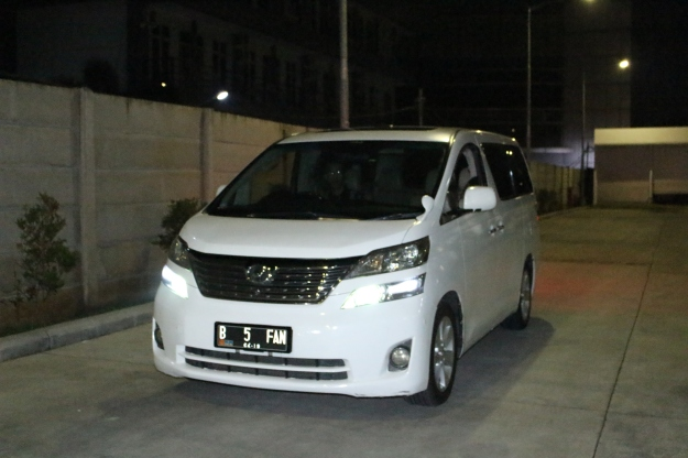 rental_alphard_vellfire_paling_murah_jakarta_wedding_car_decor_unik
